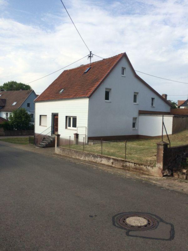 Bauernhaus mit Scheune » Bauernhäuser, Höfe, Güter