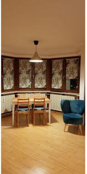 Zwei Zimmer für Studenten-WG in