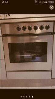 Küche mit Geräten