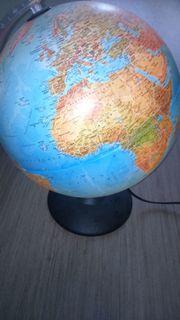 Globus beleuchtet/ Weltkugel