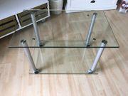 Glastisch mit Rädern