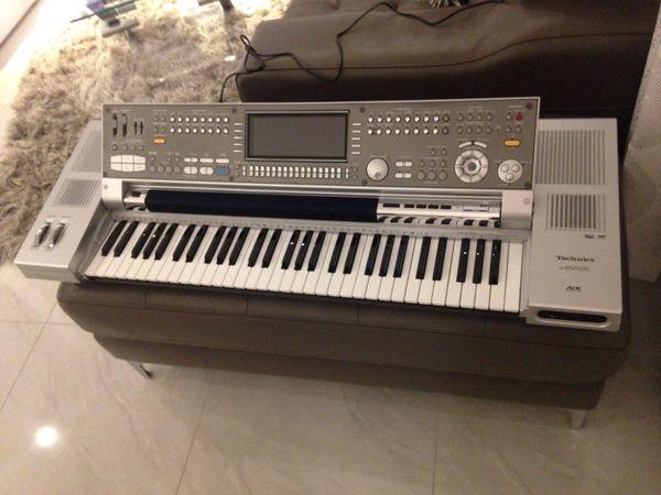 Technics KN 7000 Profi Keyboard - Ilmenau Rod - Technics KN 7000 Profi Keyboard FlaggschiffInkl. Netzstecker und Notenpult. Das Keyboard funktioniert einwandfrei, befindet sich in gebrauchten aber guten Zustand, wurde nur wenig gespielt.Hersteller: Technics/Matsushita, JapanTastatur: 61 T - Ilmenau Rod