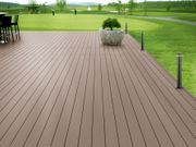 Modernes Design Terrasse mit WPC