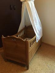 Antikes Babybett, Holz,