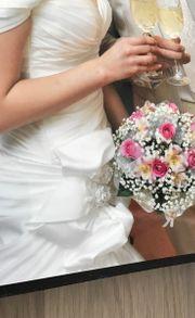 Hochzeitskleid und Herren Anzug Hugo