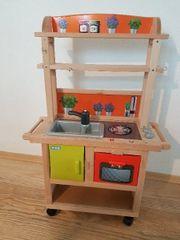 Schöne Kinderküche mit