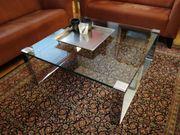 Designer- Couch/- Glastisch
