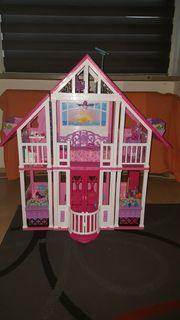 Barbiehaus W3141 mit Zubehör und