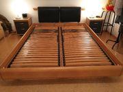 Doppelbett mit Lattenrost und zwei