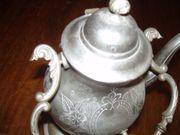 Zinn-Teekanne mit