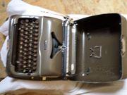 Alte mechanische Schreibmaschine Triumpf Perfekt