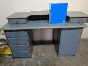 Echtholz-Schreibtisch Aufbau