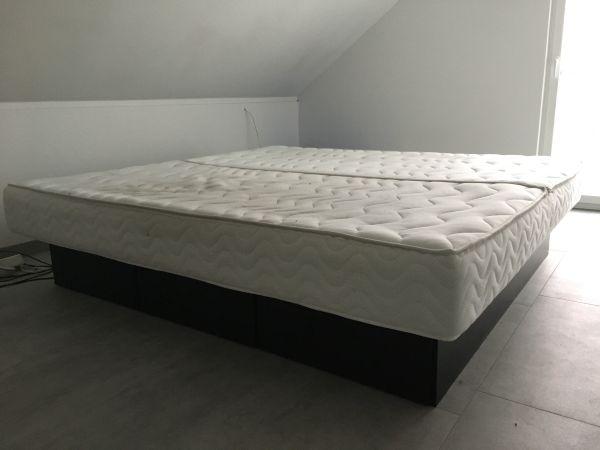 TOP Dual Wasserbett mit Schubladensockel schwarz, 200x210 wie neu NP 2800EUR - Untergruppenbach - Fast neues und tolles top gepflegtes Wasserbett zu verkaufen.Leider kann ich das Bett in der neuen Wohnung aufgrund Platzmangel nicht mehr stellen.Das Bett von Aqua Comfort Stuttgart wurde im Januar 2017 für 2.876 EUR gekauft und ist w - Untergruppenbach