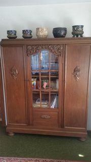 Stilmöbel Wohnzimmerschrank & Schreibtisch
