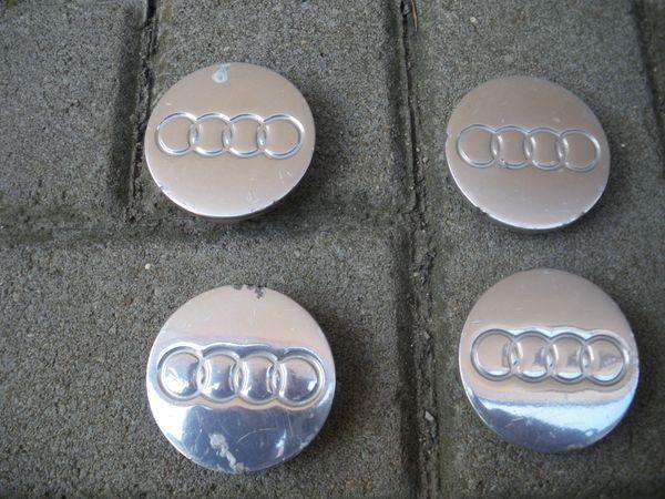 Audi Radnabenkappe, Radnabendeckel, Nabendeckel 8N0601170 - Lichtenfels - Originale Audi-Radnabendeckel.Gebraucht, Zustand siehe Bilder.Alle Clipse/Halterungen sind in Ordnung.Außendurchmesser beträgt 58 mm, siehe Bild.Der Preis bezieht sich auf alle zusammen.Versand deutschlandweit 4 EUR.Bei weiteren Fragen ste - Lichtenfels
