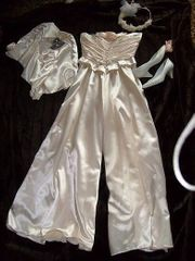 Hochzeit dezent - Lachsfarb Brautkleid Brauthose