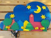 Kinderholzgaderobe mit beleuchtetem Sternenhimmel Top