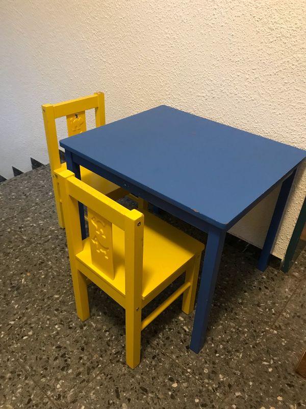 Kindermöbel Tisch Und 2 Stühle In München Kinder Jugendzimmer