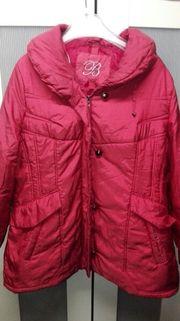 Rote Jacke Größe