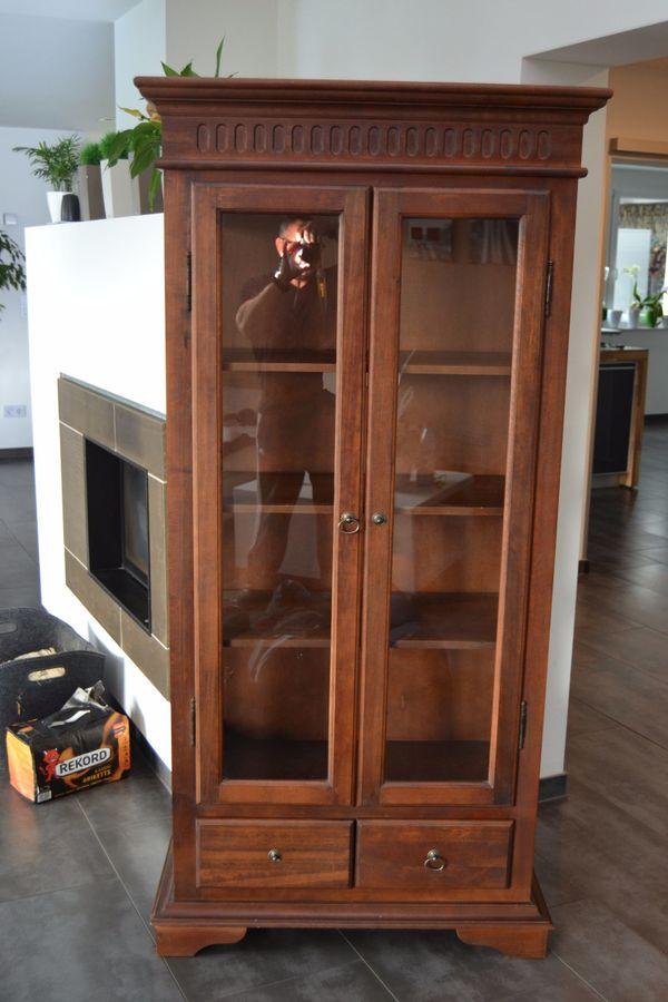 zierlicher vitrinenschrank kaufen zierlicher vitrinenschrank gebraucht. Black Bedroom Furniture Sets. Home Design Ideas