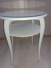 Tisch 60cm -mit geschliffener Glasplatte