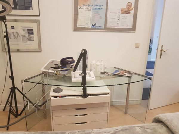 glas schreibtisch galotti radice mit rollwagen zu verkaufen in berlin designerm bel. Black Bedroom Furniture Sets. Home Design Ideas