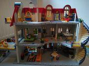 Dreistöckiges Playmobilhaus