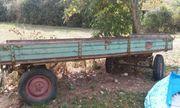 Traktoranhänger reparaturbedürftig