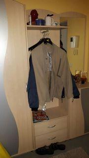 Garderobe mit 2