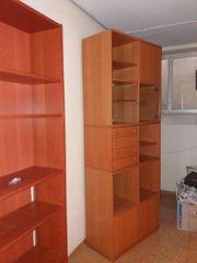 Wohnzimmermöbel / Schrank IKEA