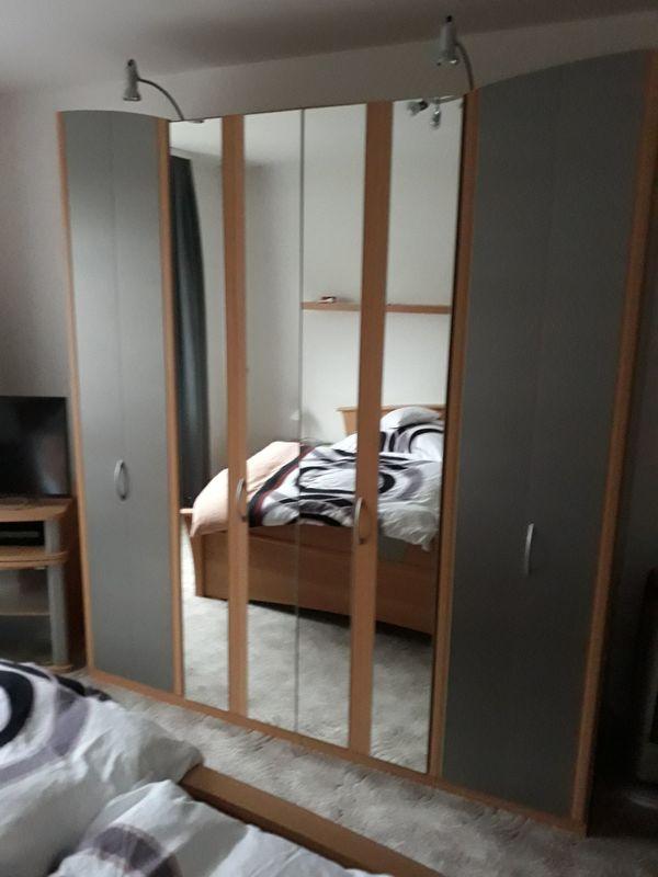 Schlafzimmer Komplettset zu verkaufen, guter Zustand in Duisburg ...