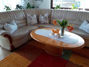 Ledercouch mit Tisch und Relaxsessel