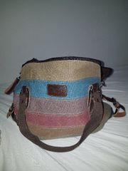 Handtasche im Originalzustand