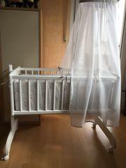 NEUWERTIG-ALVI-Weiße Babywiege-Pendel-Wiege Sina Streifenbär BabyBett