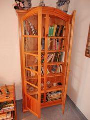 Bücherschrank 2 Glastüren plus Bücherregal
