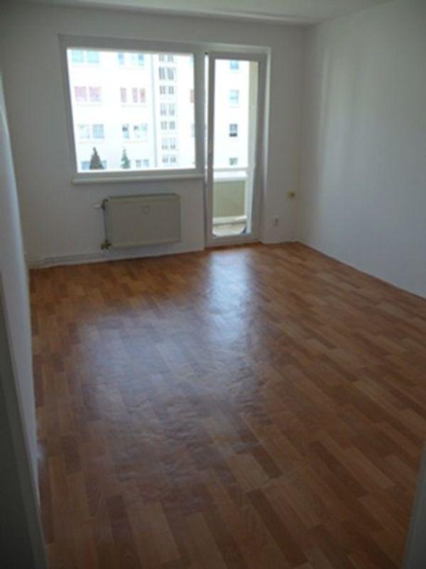 Vermietung 3 Raum Wohnung Mit Möbilierter Küche Mücheln Eptinger