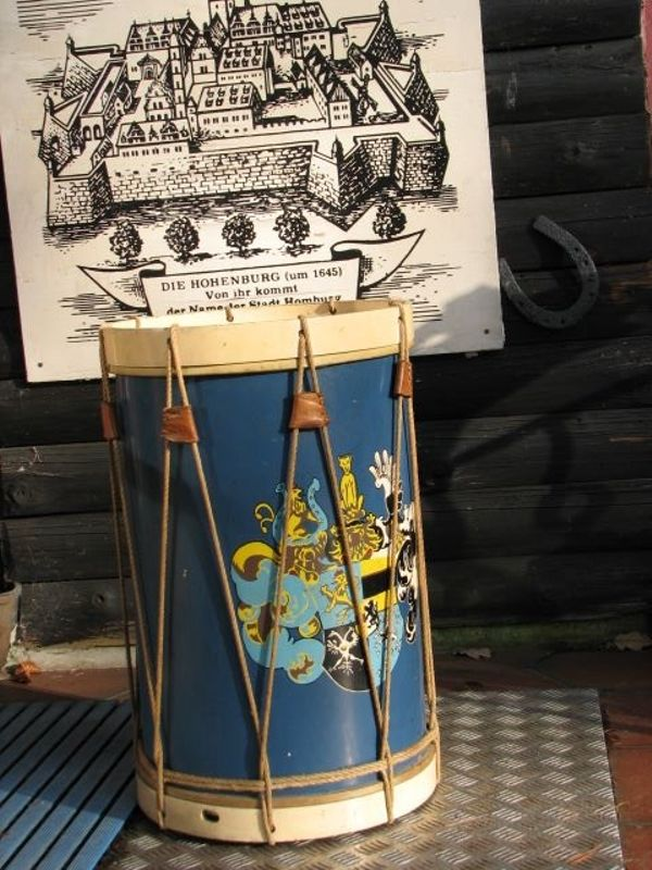 schlagzeug drum antiquit t landsknechtstrommel hessen nassau saarbr cken wappen wilhelm ludwig. Black Bedroom Furniture Sets. Home Design Ideas