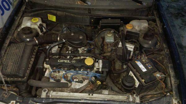 Motor mit Auto drum rum in Beidenfleth - Opel-Teile kaufen und ...