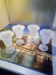 Vier Milchglas Eisbecher unbenutzt