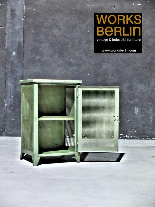 Restauriertr Vintage Metallschrank 20er Jahre Worksberlin Com In