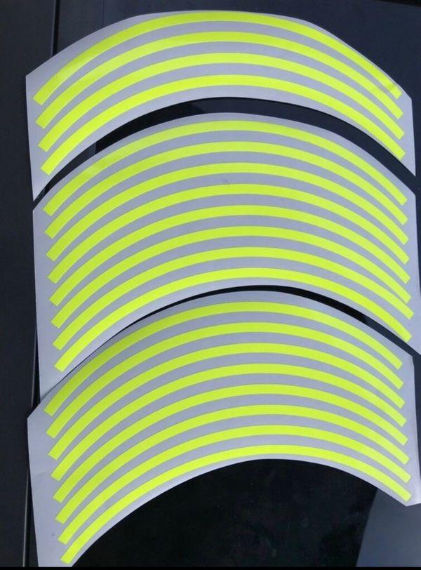 Felgen Rand Aufkleber Neon Gelb (nachts leuchtend) gebraucht kaufen  86738 Deiningen