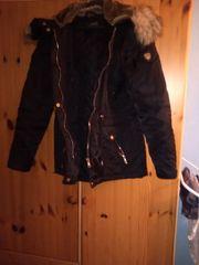 Winterjacke in schwarz