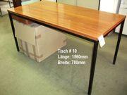 Tisch: Holzbrett mit