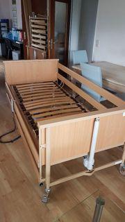 Neuwertiges Pflegebett 90cm