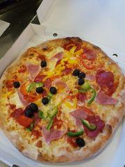 pizzeria ab zu geben