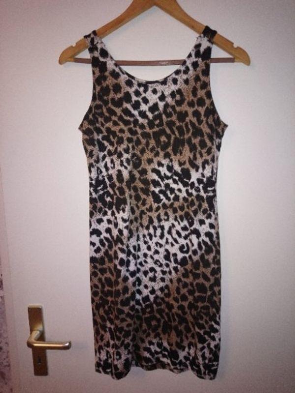 Abend Kleid