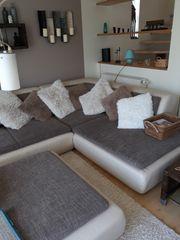 Couch-Garnitur mit Hocker