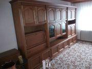Wohnzimmerschrank und Kommode