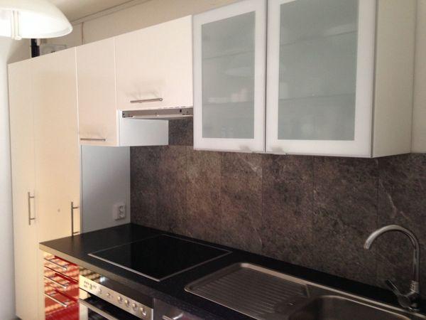 Rot Weiß Edelstahl Küche ca. 305 cm OHNE abgebildete Elektrogeräte ...