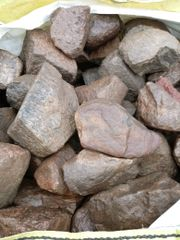 Granit Steine grau